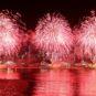 """绚丽火花迎接""""欢乐春节"""" Feux d'artifice étincelants accueillent la Joyeuse fête du printemps"""