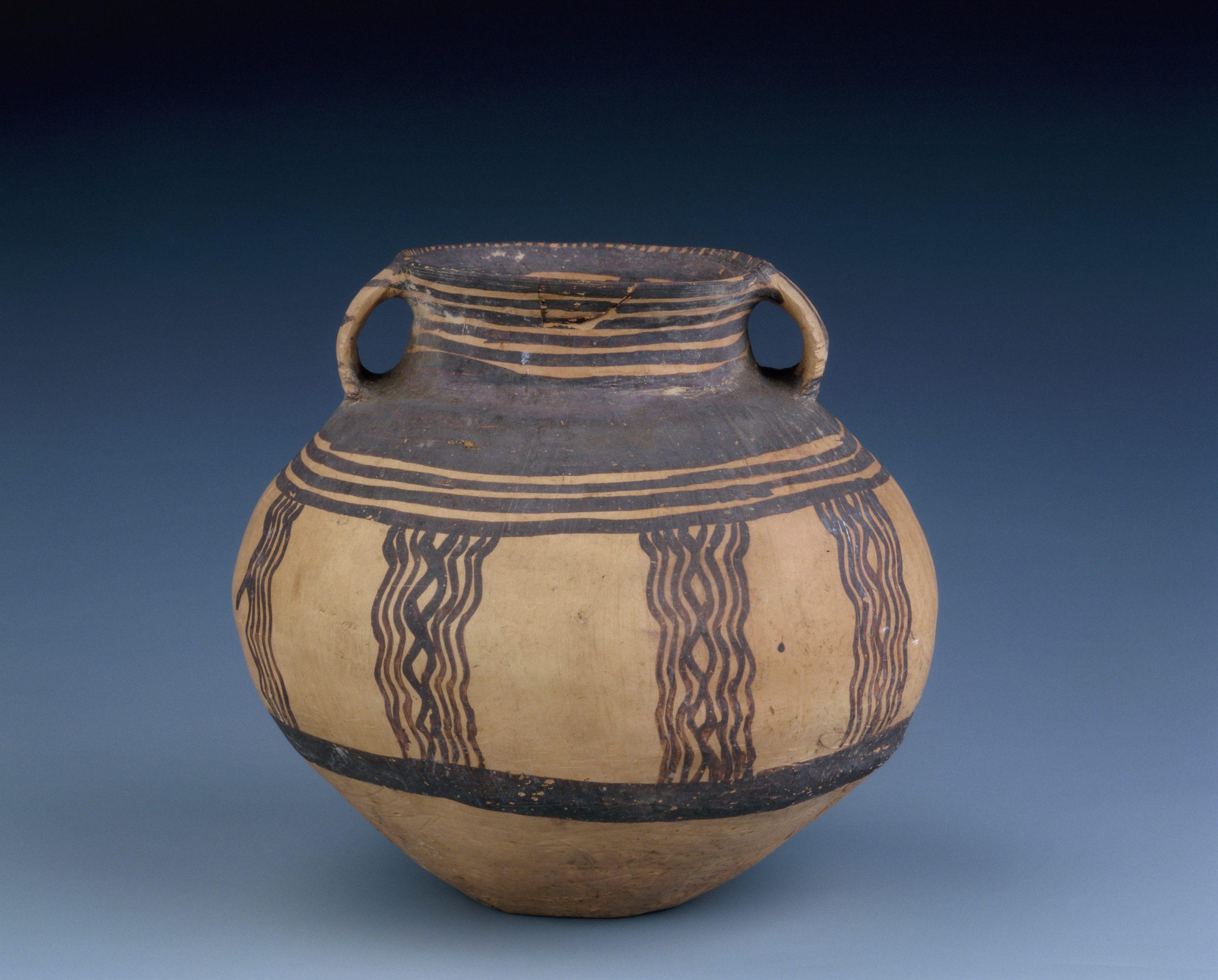 3.彩陶罐 Jarre guan 罐 en poterie peinte à décor polychrome