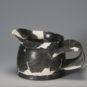 2.陶刻纹宽把杯1 Coupe bei 杯 à motif gravé en poterie, munie d'une anse large