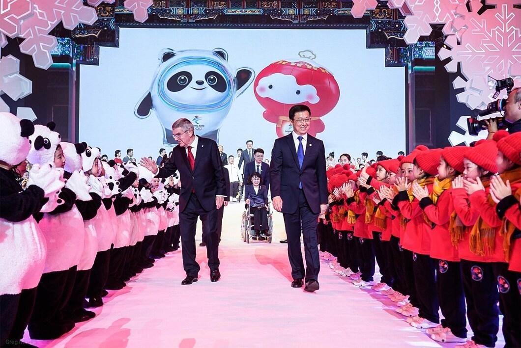 国际奥委会主席托马斯·巴赫和中共中央政治局常委、国务院副总理、第24届冬奥会工作领导小组组长韩正 Thomas Bach, le président du Comité international olympique (CIO) et Han Zheng, le Vice-Premier ministre de Chine